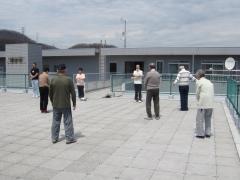 屋上ラジオ体操 (H25.5.17)1.JPG