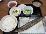 H25 秋刀魚の塩焼き5.JPG
